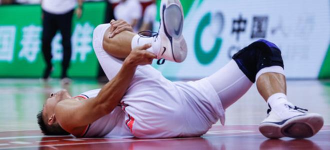 朱芳雨辟谣:易建联是新赛季初缺席,目前恢复顺利