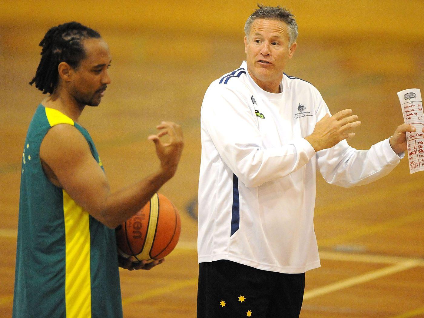 布雷特-布朗已经辞掉澳大利亚男篮国家队主帅一职