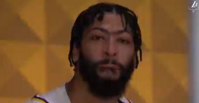 媒体晒昨日戴维斯流泪视频:他意识到自己是NBA总冠军了