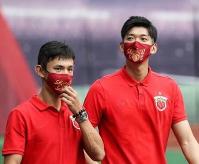 沪媒:颜骏凌伤无大碍,眼部消肿后即可重返球场
