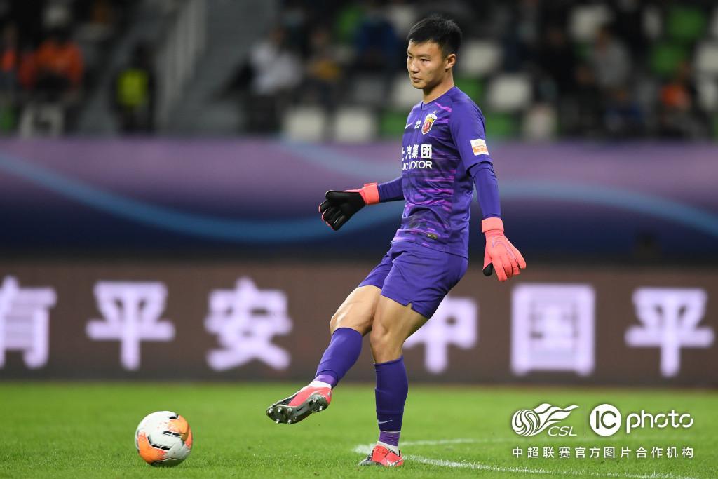 陈威赛后第一时间联系颜骏凌,后者鼓励:你值得这场胜利