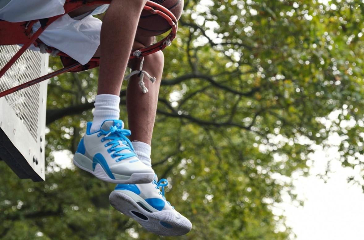 特步今天发布了林书豪首款签名战靴:林书豪一代