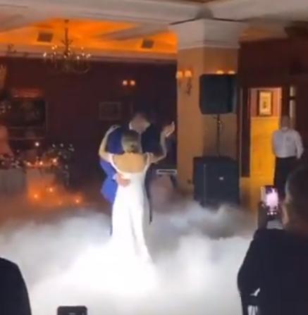 人生赢家!尼古拉-约基奇在婚礼上与爱妻翩翩起舞