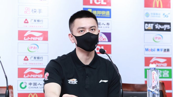 杨鸣:赢在篮板与防守,对吴昌泽还有更高要求