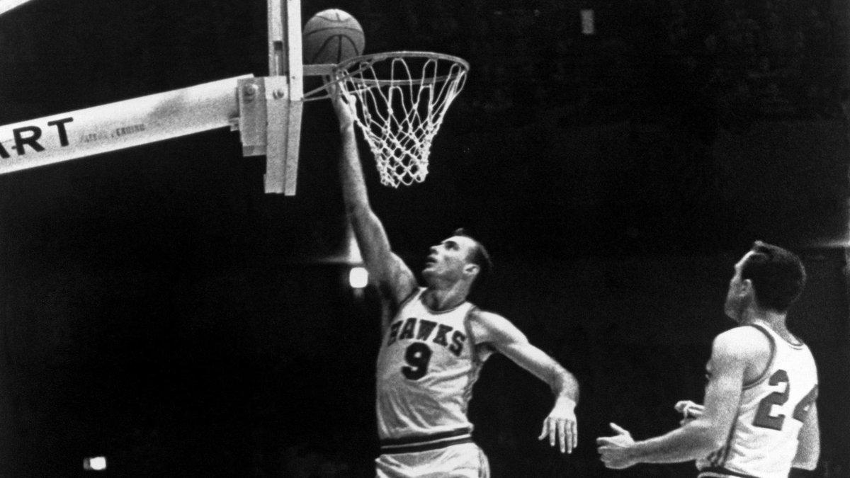 66年前鲍勃-佩蒂特迎来首秀,生涯连续10次入选NBA第一队
