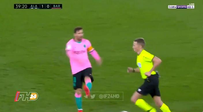 裁判专家:德容点球可以判,梅西随后球踢裁判该被罚下