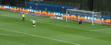 GIF:出师不利!点球大战卓尔队长姚翰林首轮中柱
