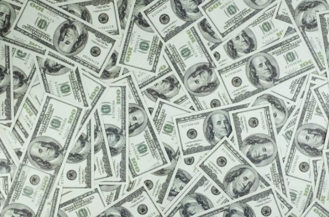 联盟正寻求增加收入,想和博彩公司等产业合作