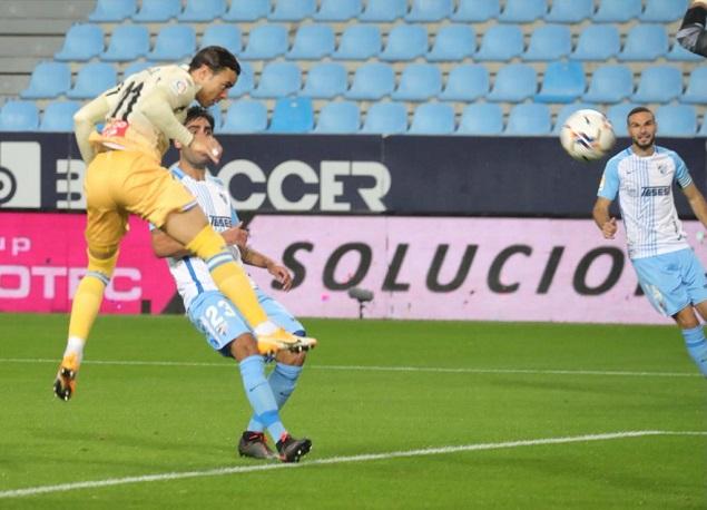 武磊替补出场恩巴尔巴两射一传,西班牙人3-0马拉加