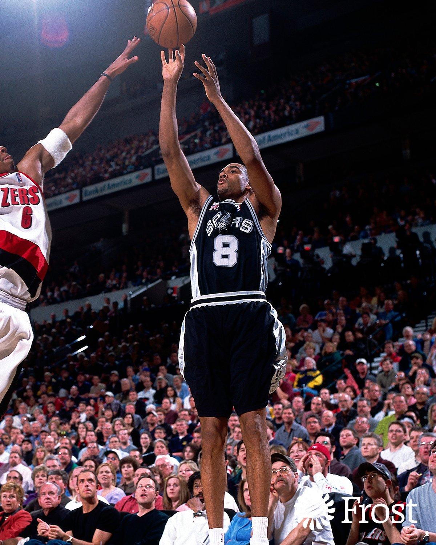 19年前的今天,史蒂夫-史密斯三分球8投全中助马刺取胜