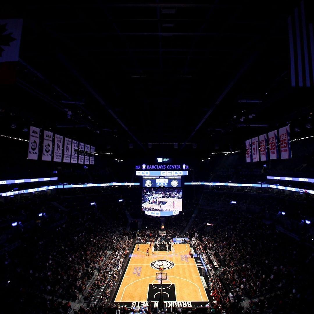 8年前的今天,篮网搬到布鲁克林后首次在主场亮相