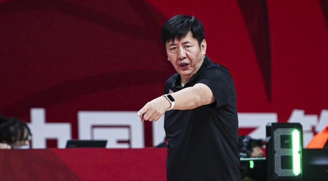 丁伟:限制对手的速度做得不好,需要向对手学习争夺球权的欲望