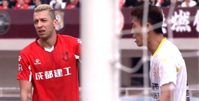 半场:谭龙闪击陈柏良阿隆破门,兴城0-3亚泰