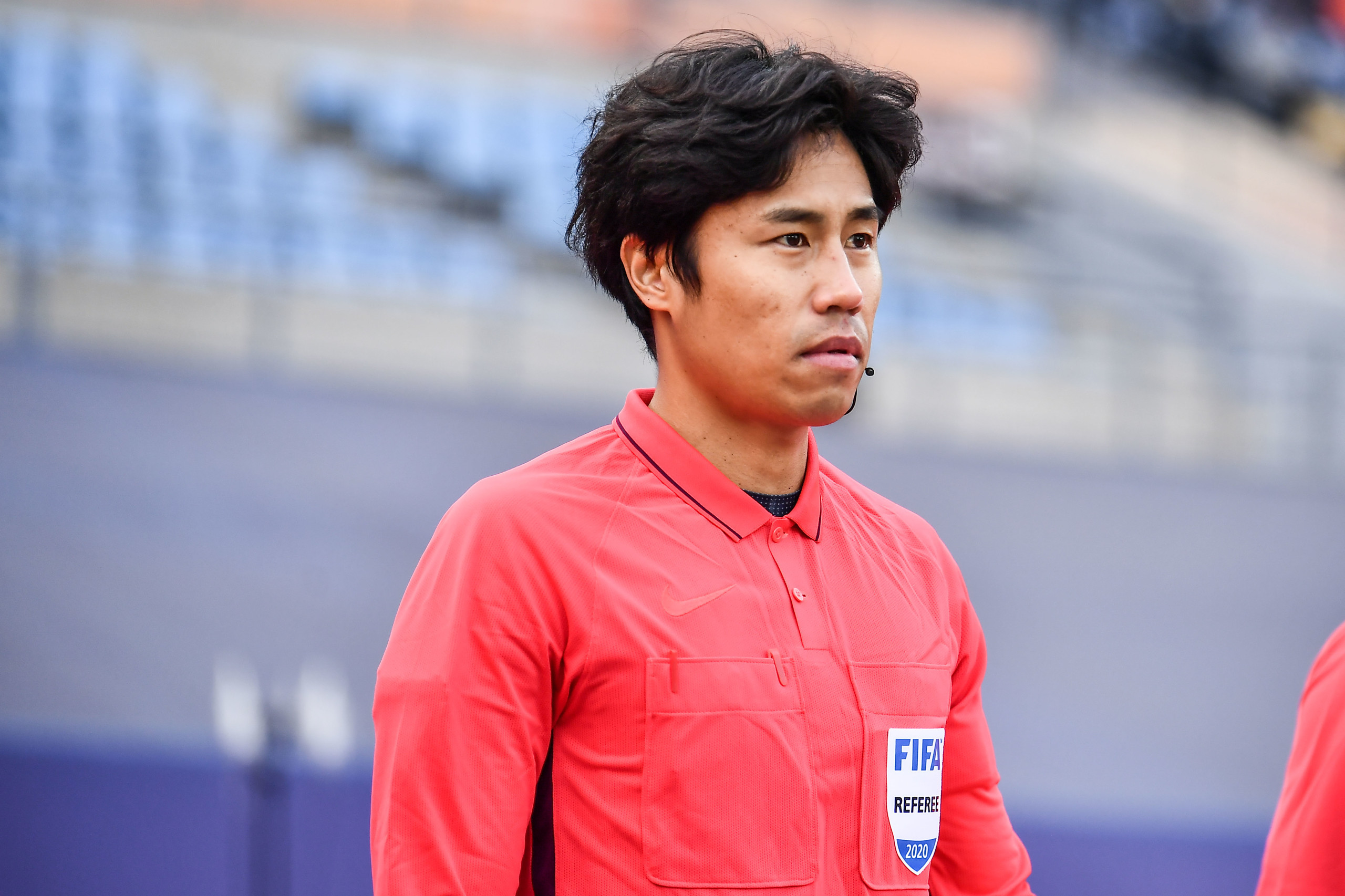 记者赵宇:足协酝酿争冠与保级组次回合均安排韩国裁判