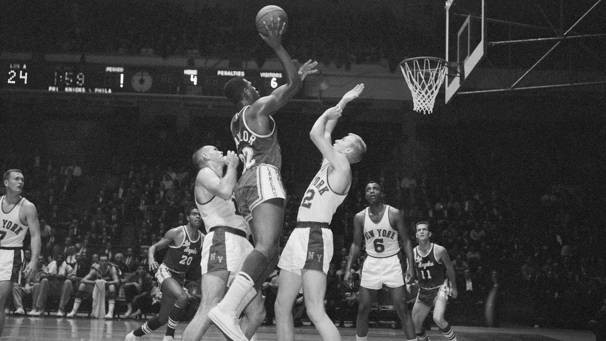 1960年的今天埃尔金-贝勒成为NBA史上第1位得到70+的球员