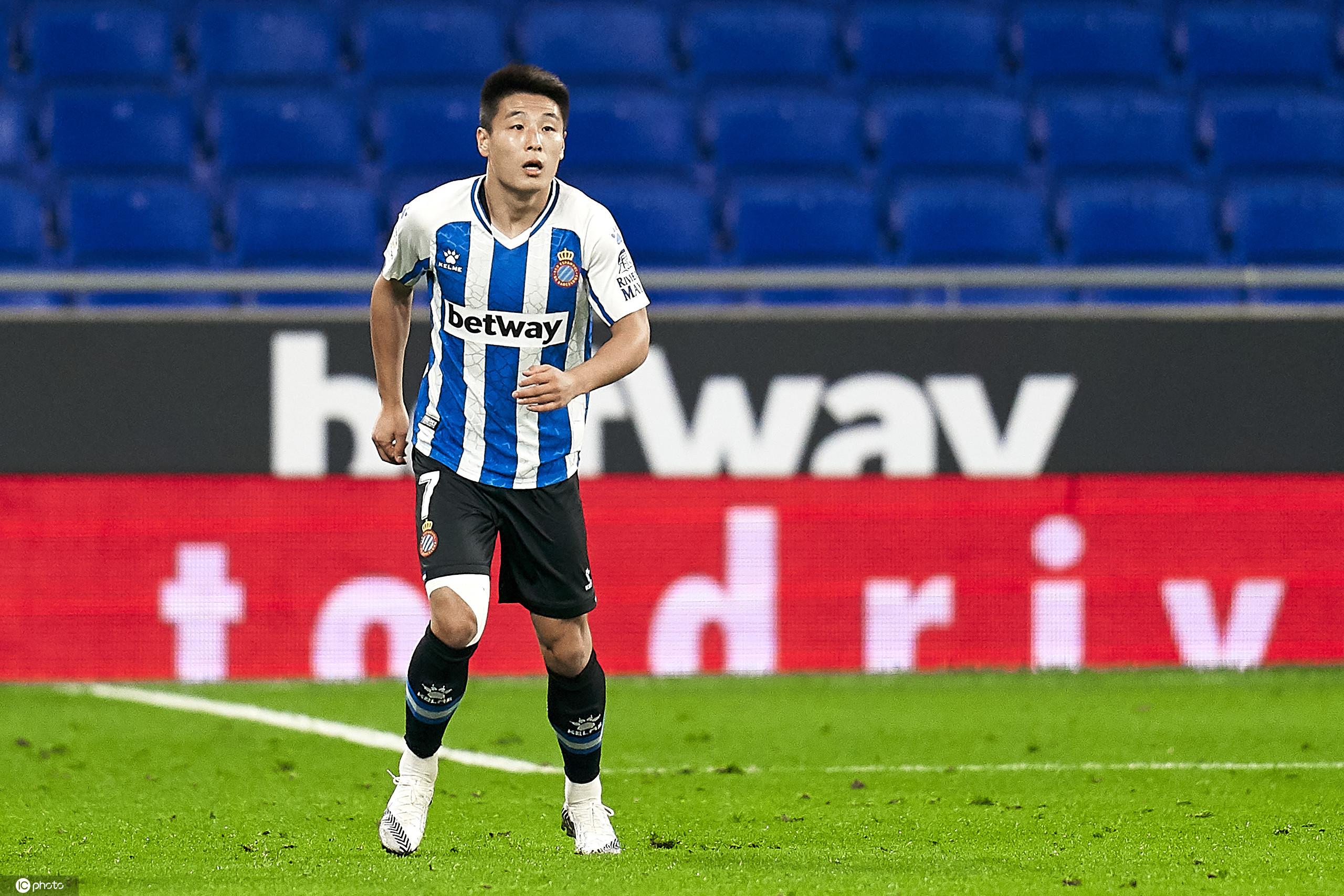 半场:武磊首发德托马斯进球被吹,西班牙人0-0萨拉戈萨