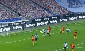 GIF:奥斯卡-希尔抽射破门,西班牙人1-0萨拉戈萨