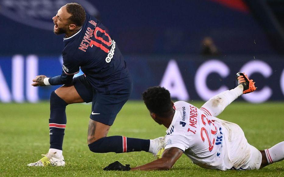 里昂中场:内马尔是世界最佳球员,我并不是有意弄伤他