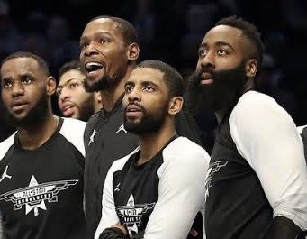 趣图:2019年全明星板凳席大合影,如今五人各自成团